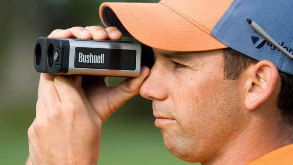 sergio garcia using golf rangefinder